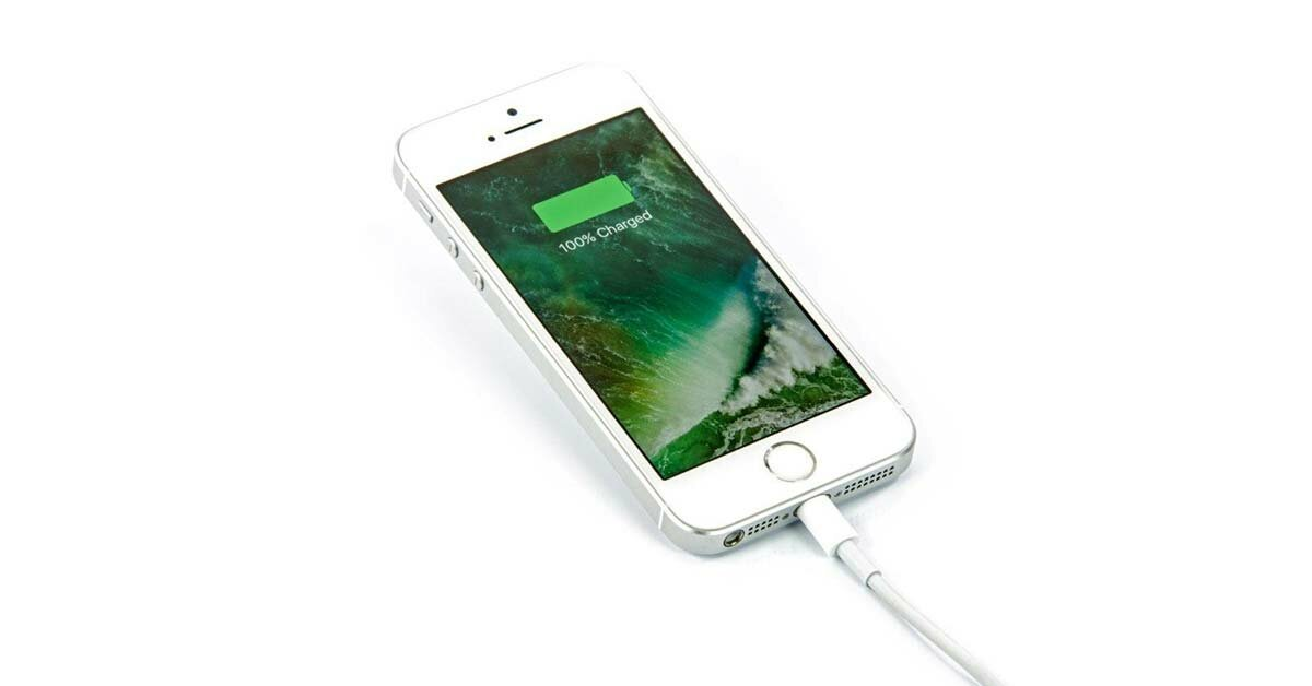 iPhone power bank 100% fully charged